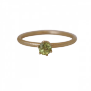 """Solitaire"" Peridot (M) - Ring - Gold"