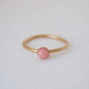 """Petit Point"" Salmon Coral - Ring - Gold"