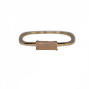"""Baguette"" Peach Moonstone Square - Ring - 18 Karat Gold"