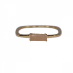 """Baguette"" Peach Moonstone Square - Ring - 18 Karat Gold"