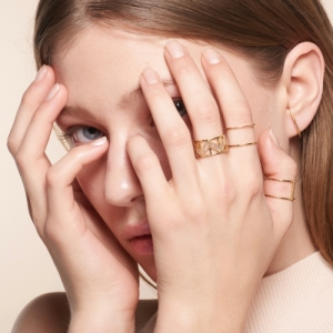 """Opalia"" Peach Moonstone Carousel - Ring - 18 Karat Gold"