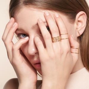"""Opalia"" Peach Moonstone Carousel - Ring - 18 Karat Gold"