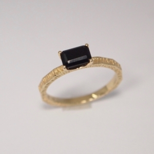 """Baguette"" Black Onyx Cocktail - Ring - 18 Karat Gold"