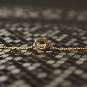 """Spot Classic"" Cosmos Saturn Orbit - Necklace - Gold"