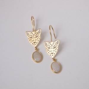 """Panthera"" White Opal Big Head - Earring - Gold"