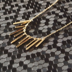"""Stripes & Joist"" Eleven Orbit - Collier - Gold"