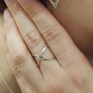 """Trinity"" Triangle Sleeve - Ring - Silver"