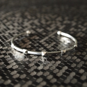 """Cleometra"" Pyramid Rivets Row - Bangle - Silver"