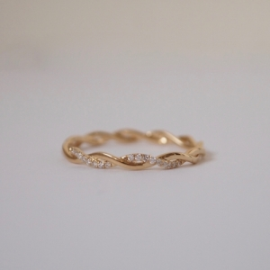 """Sophie"" Twist Diamond White - Ring - 18 Karat Gold"