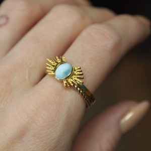"""Sophie"" Ellipse Twist Larimar - Ring - Gold"