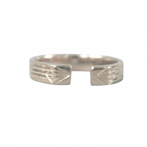 """Stripes & Joist"" Open M - Ring - Silver"
