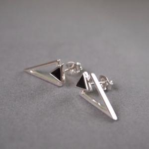 """Suspirium"" Black Onyx - Stud Earring - Silver"