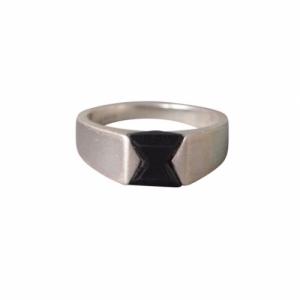 """Suspirium"" Black Onyx - Ring - Silver"