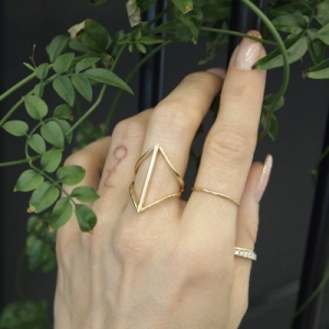 """Opalia"" Rhombus Bar - Ring - Gold"