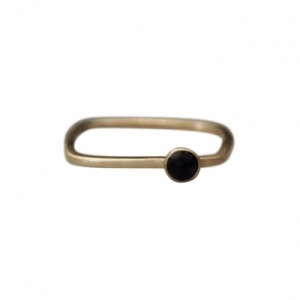 """Petit Point"" Onyx Rectangular - Ring - Gold"
