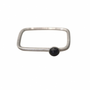 """Petit Point"" Onyx Rectangular - Ring - Silver"