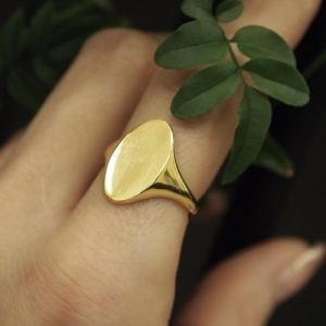 """""""Sophie"""" Signet - Ring - 18 Karat Gold"""
