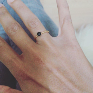 """Petit Point"" Onyx - Ring - Gold"