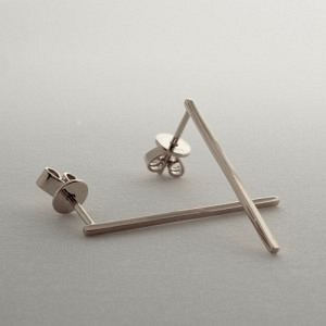 """Stripes & Joist"" Bar L - Stud Earring - Silver"