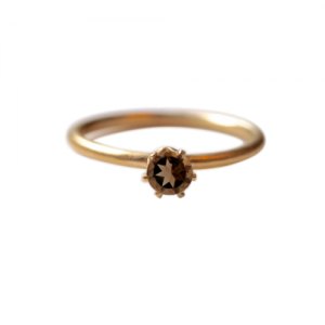 """Solitaire"" Smoky (M) - Ring - Gold"