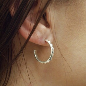 """Cleometra"" Pyramid Rivets Creole - Stud Earring - Silver"