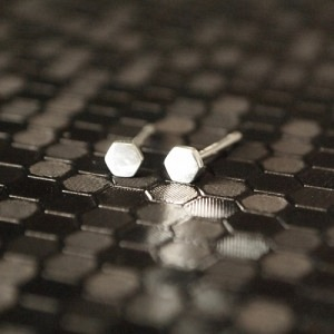 CLEOMETRA | Hexagon Tiny - Stud Earring - Silver