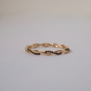 SOPHIE | Twist Diamond Black - Ring - 18 Karat Gold