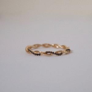 """Sophie"" Twist Diamond Black - Ring - 18 Karat Gold"