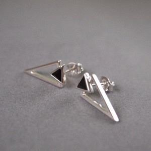 SUSPIRIUM | Black Onyx - Stud Earring - Silver