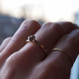 """Cityfox"" Smokyquartz Solitaire - Ring - 18 Karat Gold"