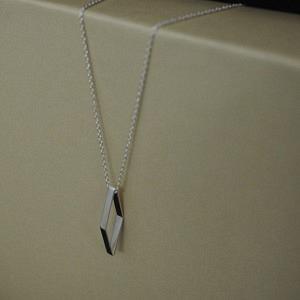 OPALIA | Rhombus Bar - Necklace - Silver