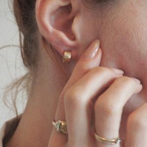 STRIPES&JOIST   Wide Creole - Stud Earring - Gold
